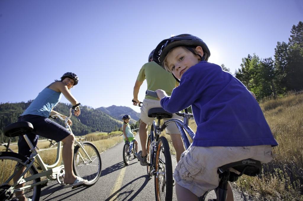 biking-in-squaw-valley
